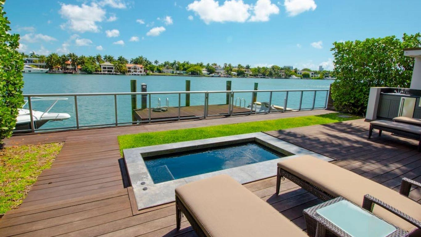 Villa Inez, Star, Palm and Hibiscus Islands, Miami, USA