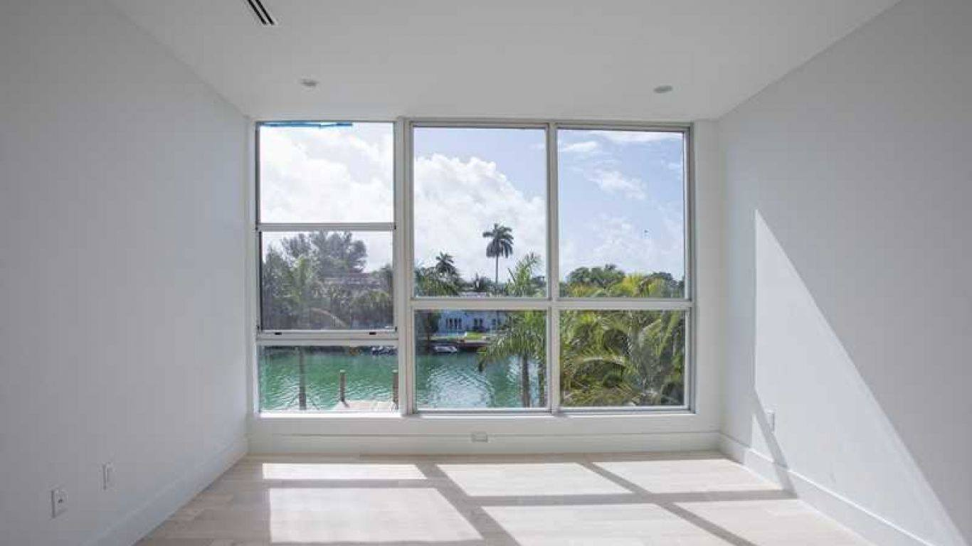 Villa Hazel, North Beach, Miami, USA