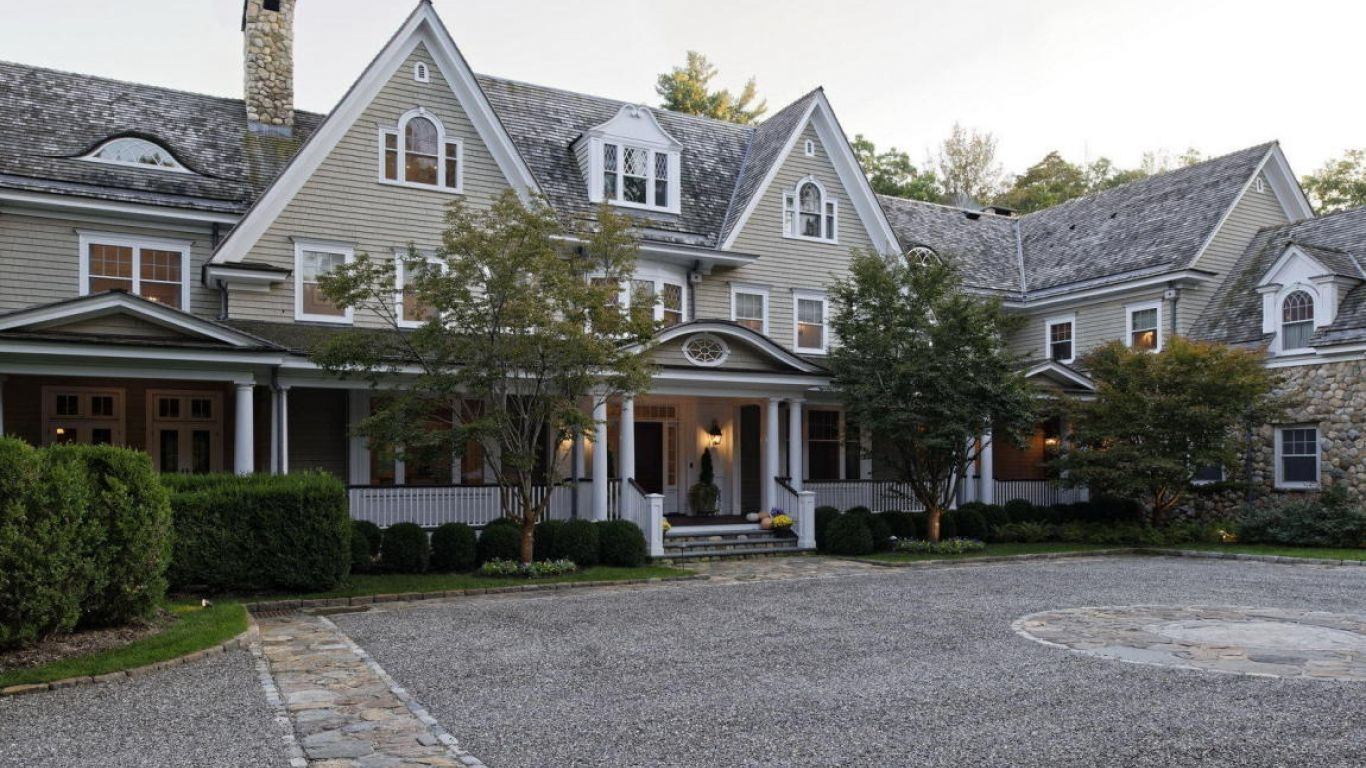 44 Mooreland Road, North of Parkway, Greenwich, USA