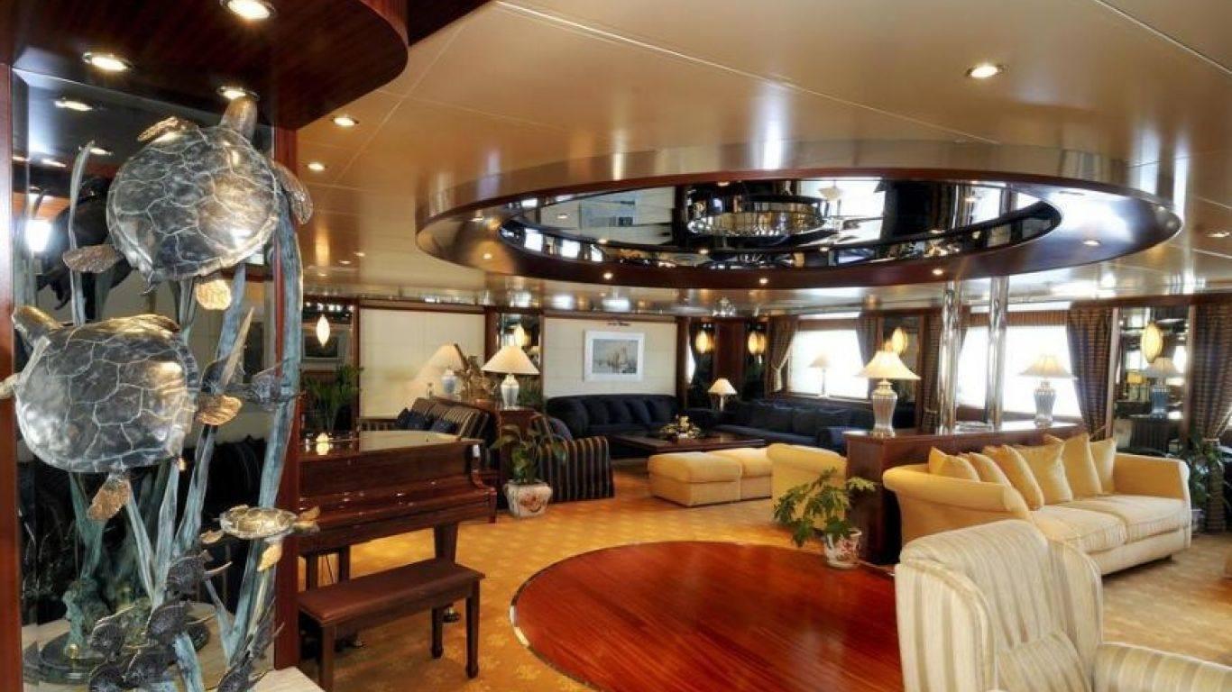 Yacht Lauren L 295, Yachts, Yachts, France