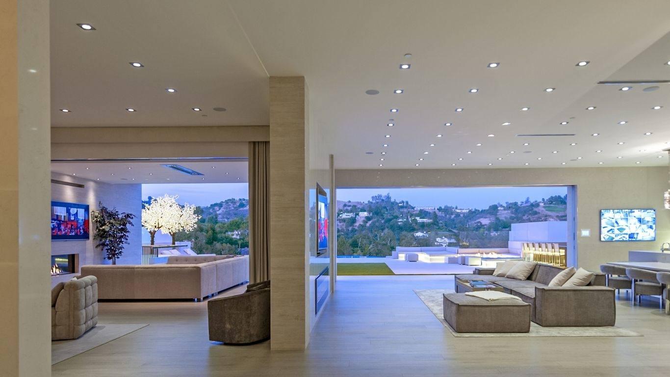 Villa Naina, Beverly Glen, Los Angeles, USA