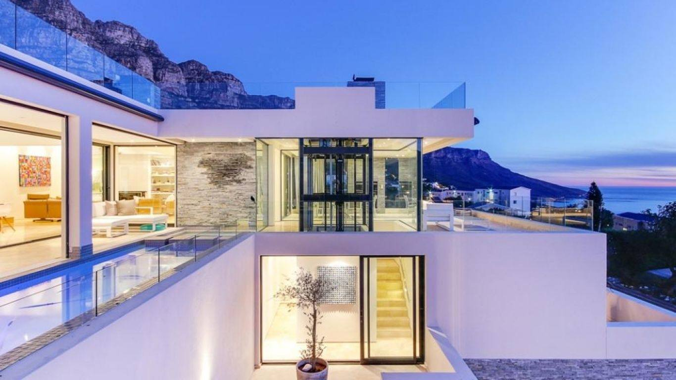 Villa Mercicar, Camps Bay, Cape Town, South Africa